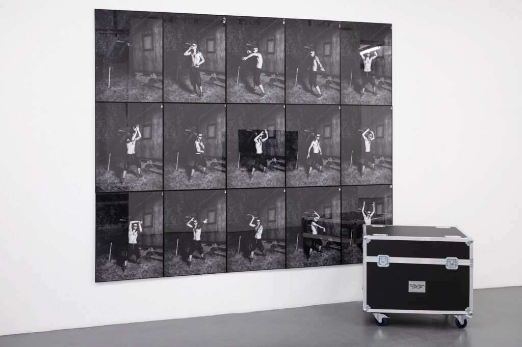 Giampaolo Abbondio // Simone Bergantini - How to dance rave music